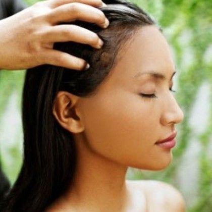 óleo quente no cabelo